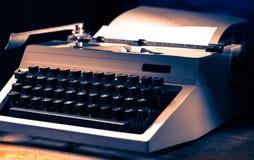 有拉丁字母的老打字机 库存图片