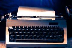 有拉丁字母的老打字机 免版税库存照片