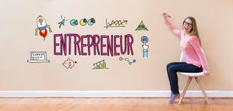 有拿着笔的少妇的企业家 库存图片