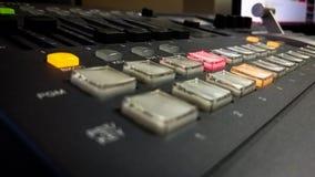 有按钮的专业录影混合的控制台 库存图片