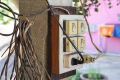 有插座和插口的老电开关 免版税库存照片