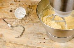 有搅打机工具的食品加工器 免版税库存照片