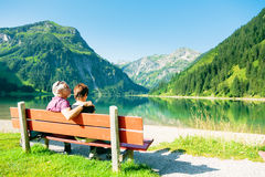 有效的夫妇前辈 免版税库存图片