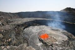 有效的淡啤酒火山口erta suth火山 免版税库存照片