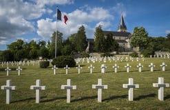 有教会的战争公墓Chatillon苏尔马恩省 免版税库存照片