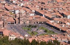有教会的Cusco广场 免版税库存图片