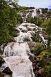 有数百美丽的瀑布在斯堪的那维亚 免版税图库摄影