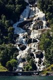 有数百美丽的瀑布在斯堪的那维亚 免版税库存照片