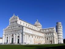 有斜塔的比萨大教堂 库存照片
