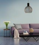 有旁边桌和花的蓝色典雅的紫色沙发 图库摄影