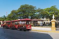 有旅游火车的,坎比其,墨西哥独立广场 免版税库存照片