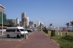 有旅馆的散步金黄英里的德班,南非 免版税库存照片