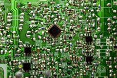 有无线电零件的电路板 免版税库存图片