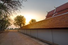 有日落天空的透视寺庙 库存图片