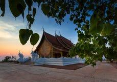 有日落的寺庙 库存照片