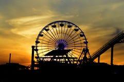 有日落的弗累斯大转轮在背景中 图库摄影