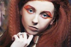 有明亮创造性的Redhair妇女组成 库存图片