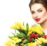 有春天的秀丽妇女开花花束 免版税库存图片