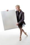 有显示标志的舞蹈家 免版税库存图片