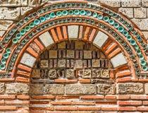 有曲拱的,特写镜头墙壁 免版税库存照片