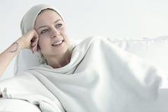 有更好变的癌症的妇女 免版税库存照片