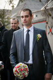 有最佳的人的新郎和男傧相去新娘在婚礼 免版税库存照片