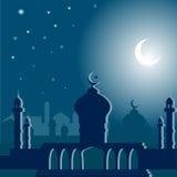 有月牙的一个清真寺在夜 向量例证