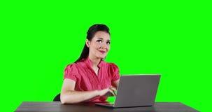 有有想法的膝上型计算机的女工 股票录像