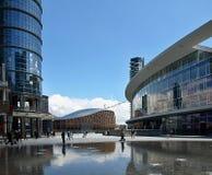 有有趣的大厦的现代米兰 免版税库存照片