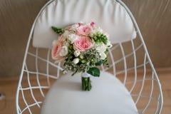 有朋友的新娘 免版税库存照片