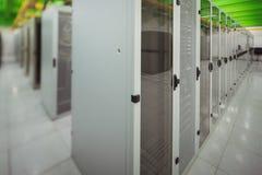 有服务器行的走廊  免版税图库摄影