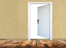 有木地板的室,门户开放主义 免版税库存照片