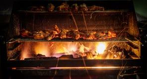 有木炭的烤鸡翼 图库摄影
