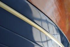 有木头和油漆的游艇 免版税图库摄影
