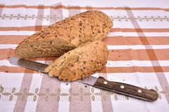 有机与种子的五谷全麦面包 库存图片