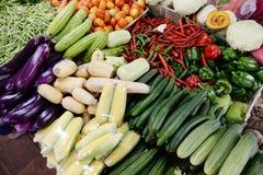 有机新健康蔬菜/食物背景 免版税库存照片