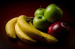 有机果子低调画象在木桌上的 库存照片