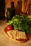 有机素食主义者在烹调准备 免版税库存照片
