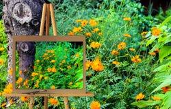 有杂色的glo的绘画水彩例证的画架 免版税库存图片