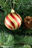 有条纹球的圣诞节 免版税库存照片