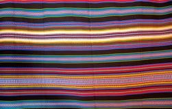 有条纹阿拉伯人遗产的阿拉贡典型的毯子 免版税库存图片