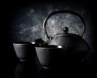 有杯子的茶壶 免版税图库摄影