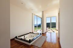 有极可意浴缸的空间 库存照片