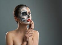 有构成骨骼的美丽的妇女 图库摄影