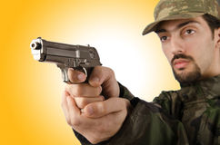 有枪的战士 免版税库存图片