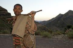 有枪的,埃塞俄比亚一个人 库存图片