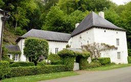 有某一常春藤的议院在门面和葡萄园 免版税图库摄影