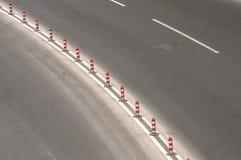 有标号线的沥青车行道 库存图片