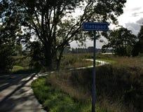有标志的循环的道路 图库摄影