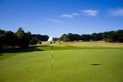 有标志的高尔夫球场 免版税库存图片